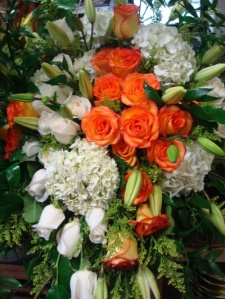 bride-groom-table-flowers (1)