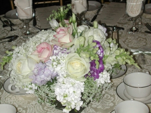 centerpiece-floral-arrangement-wedding