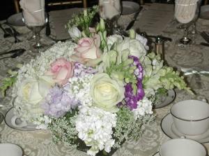 centerpiece-floral-arrangement-wedding