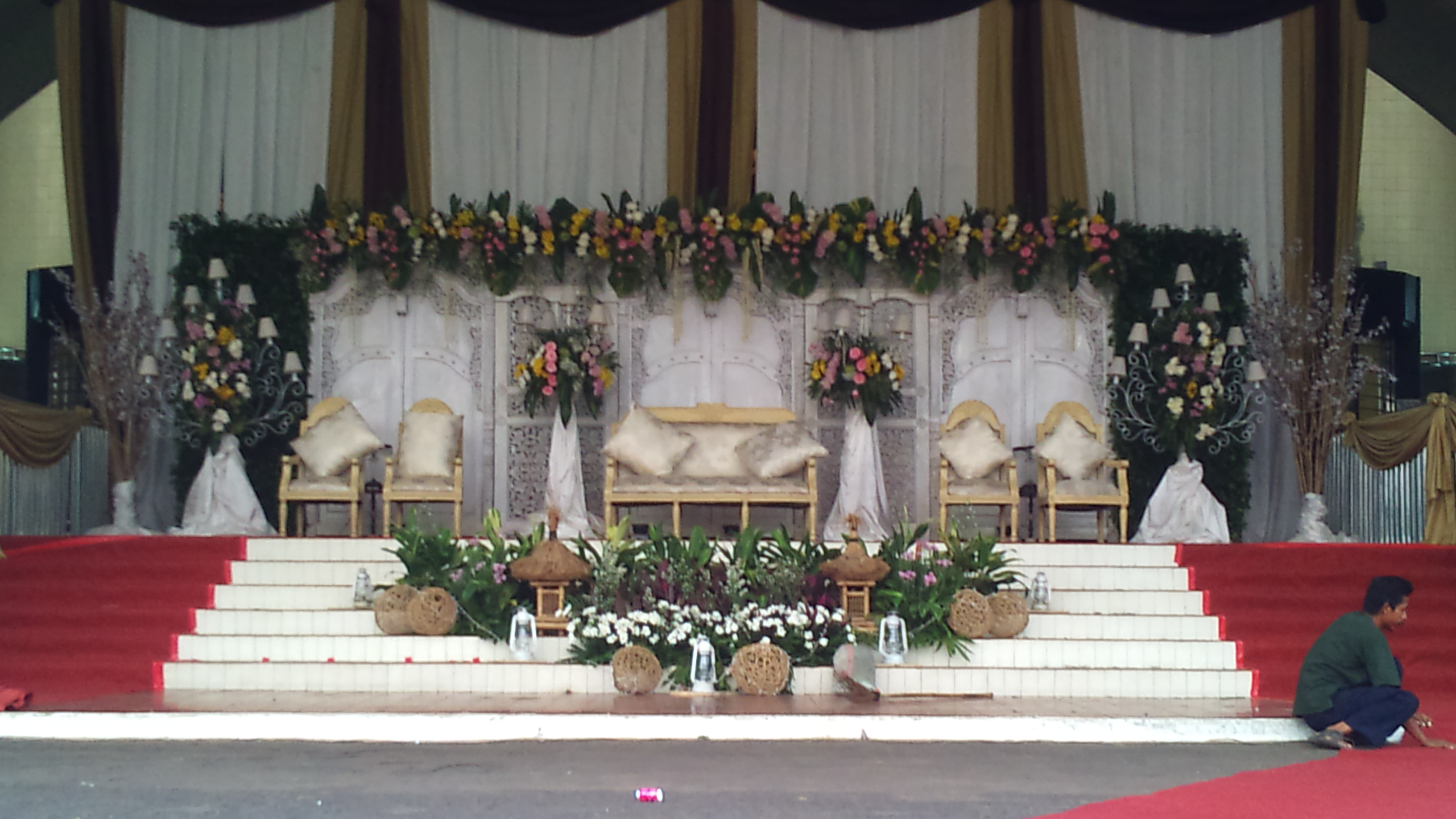 Rangkaian Bunga Pelaminan Adat Bunga Papan Standingflower Jakarta