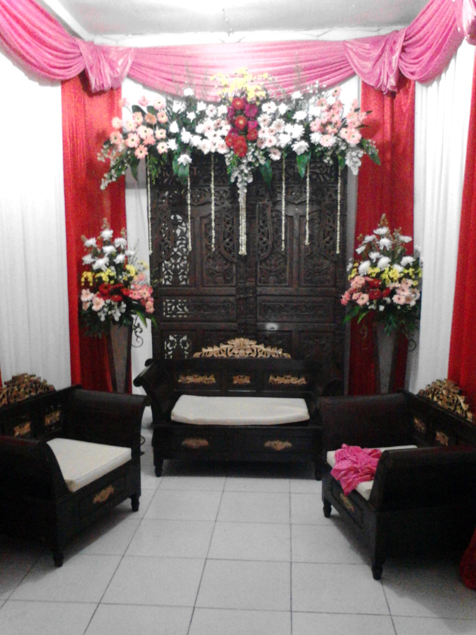 Pelaminan Rumah Murah Meriah Bunga Papan Standingflower